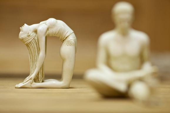 Йога для начинающих теперь и вечером в