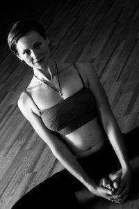 Тина Циоха йога для женщин левый берег