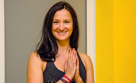 Йога для начинающих с Наташей Плохутой