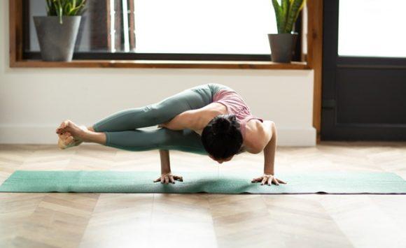 Утренняя йога с Мохорт Марией