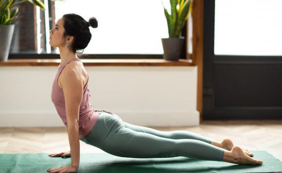 Женская йога — внимательно к себе
